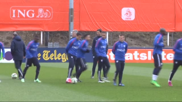 dutch national football team players attend a training session at quick boys in katwijk netherlands on march 27 2015 ahead of uefa euro 2016... - qualification round stock videos & royalty-free footage