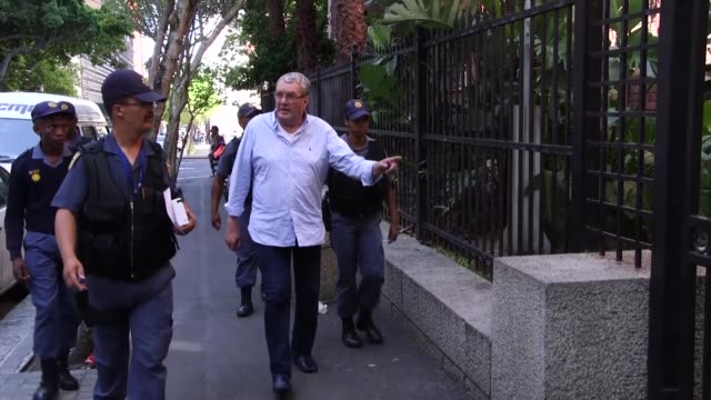 Dutch prosecutors are requesting the extradition of convicted Dutch arms dealer Guus Kouwenhoven arrested in South Africa on Friday to serve a 19...