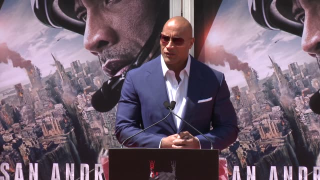 dwayne johnson at the dwayne johnson immortalized with hand and footprint ceremony at tcl chinese theatre imax on may 19, 2015 in hollywood,... - tcl chinese theatre stock-videos und b-roll-filmmaterial