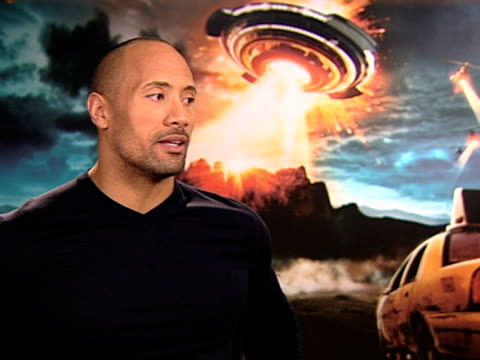 dwayne johnson on working with children and animals at the race to witch mountain interviews at london - working animals stock videos & royalty-free footage