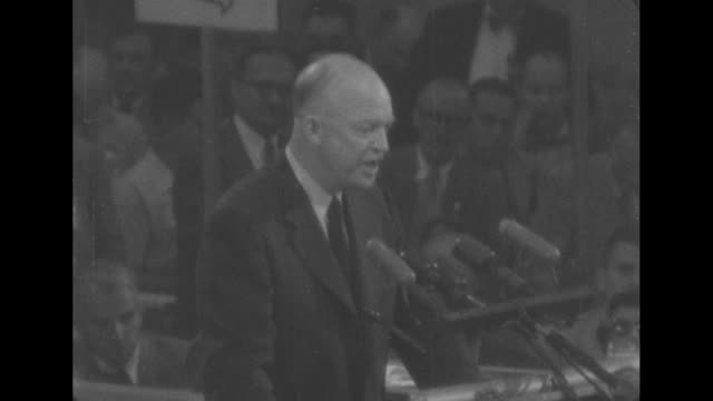 vidéos et rushes de dwight eisenhower delivers a speech at the 1952 republican convention. he says, i know that such a momentus campaign cannot be won by a few or by... - united states and (politics or government)
