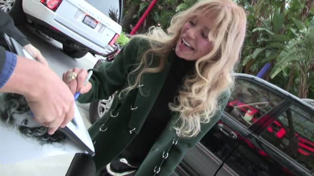 dyan cannon greets fans at staples center in los angeles 05/01/12 dyan cannon greets fans at staples center in los a on may 01 2012 in los angeles... - staples center stock videos and b-roll footage