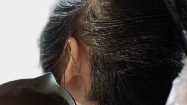 30 Hochwertige Hair Color Video-Clips und Filmmaterial ...