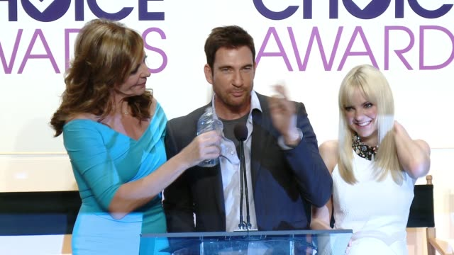 SPEECH Dylan McDermott Allison Janney Anna Faris at 2015 People's Choice Awards Nominations Announcement at The Paley Center for Media on November 04...