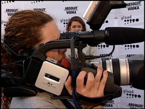 dylan mcdermott at the 13th annual glaad awards at the kodak theatre in hollywood california on april 10 2002 - the kodak theatre bildbanksvideor och videomaterial från bakom kulisserna