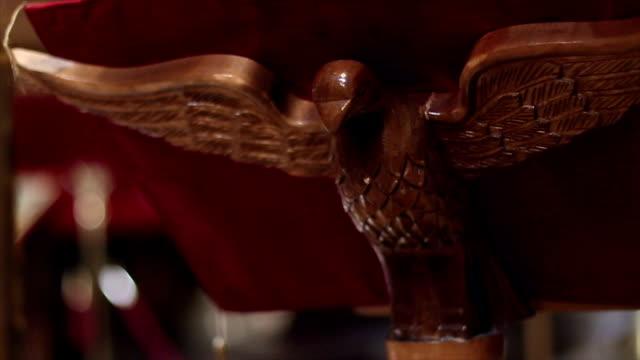 stockvideo's en b-roll-footage met eagle church - lessenaar