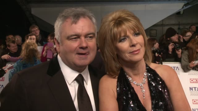 stockvideo's en b-roll-footage met eamon holmes ruth langsford on the nta seeing friends who they'd like to win and more at the national television awards at london england - eamonn holmes