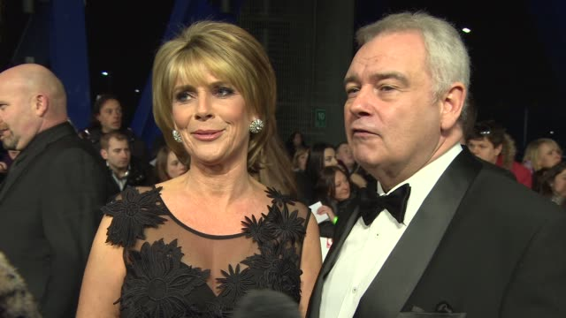 stockvideo's en b-roll-footage met interview eamon holmes ruth langsfordon what the awards mean to them kris jenner being at the awards the other celebrities on the carpet at national... - eamonn holmes