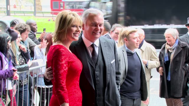 stockvideo's en b-roll-footage met eamonn holmes ruth langsford at the tric awards 2014 at the grosvenor house hotel london on march 11 2014 - eamonn holmes
