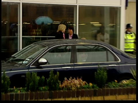 Earl and Countess of Wessex take their baby home from hospital 1300 U'LAY