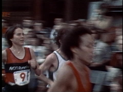 vídeos de stock, filmes e b-roll de early footage of the nyc marathon course race traverses all five boroughs to celebrate the 1976 bicentennial - 1976