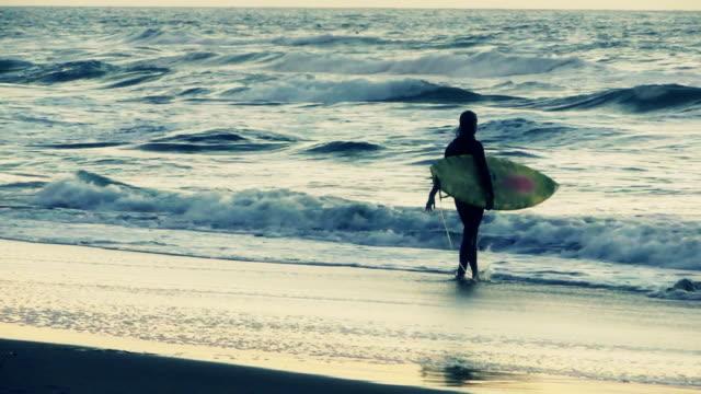 Am frühen Morgen Surfer, Ocean Beach, Kalifornien