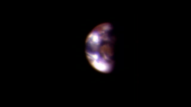 Earth and Moon from Mars, MRO rostrum footage