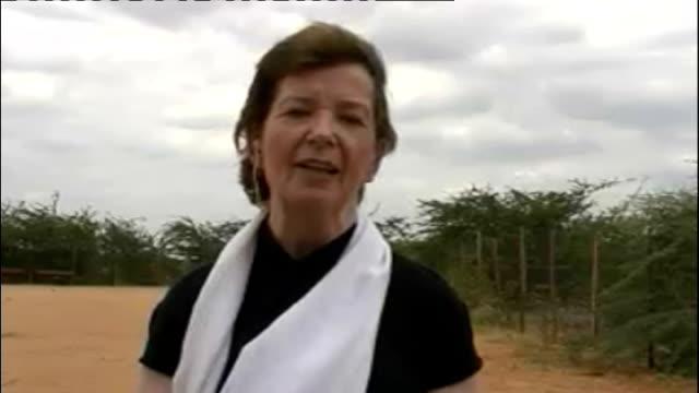 declares famine in southern somalia; england: london: gir: ext mary robinson 2-way interview from dadaab refugee camp in kenya sot - ニナ・ホサイン点の映像素材/bロール