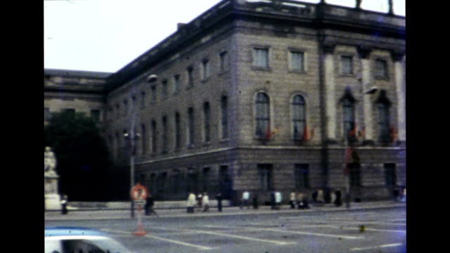 east berlin 1977 - comunismo video stock e b–roll