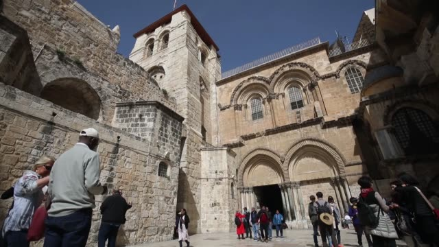 east jerusalem's church of the holy sepulchre was reopened wednesday after a threeday closure in protest of israeli plans to levy taxes on property... - east jerusalem stock videos and b-roll footage