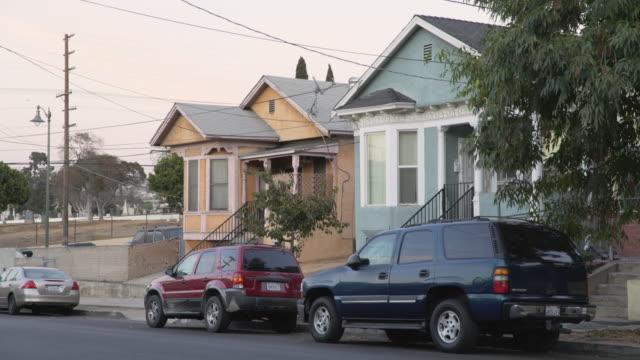 east los angeles neighborhoods - day - stationary点の映像素材/bロール
