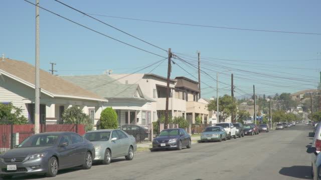 vídeos de stock e filmes b-roll de east los angeles neighborhoods - day - plano de ambientação