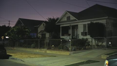 east los angeles neighborhoods - night - establishing shot bildbanksvideor och videomaterial från bakom kulisserna