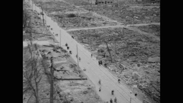 vídeos y material grabado en eventos de stock de east side hiroshima after bombing bomb blast etched into the steel of a bridge - hiroshima prefecture