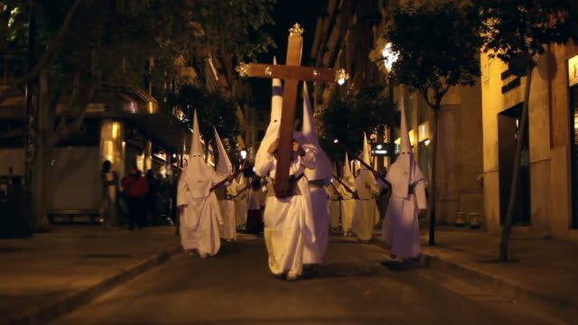 easter in spain - procession - gehen stock videos & royalty-free footage