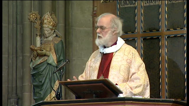 easter service at canterbury cathedral; dr rowan williams delivering easter sermon sot/ dr rowan williams down from pulpit / congregation praying - canterbury cathedral stock videos & royalty-free footage