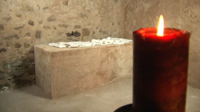 Easter Sunday Story - Jesus' Empty tomb inside, Resurrection