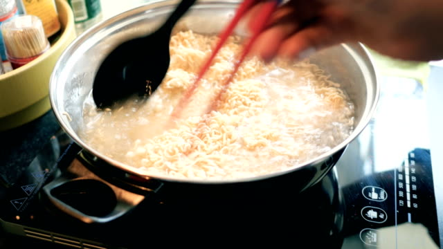 easy asian food - ramen noodles stock videos & royalty-free footage