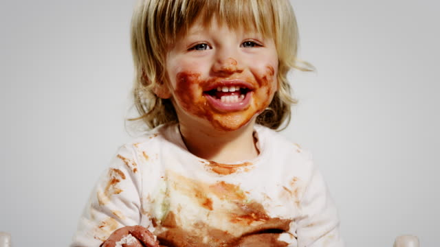 eating child - dirt stock videos & royalty-free footage