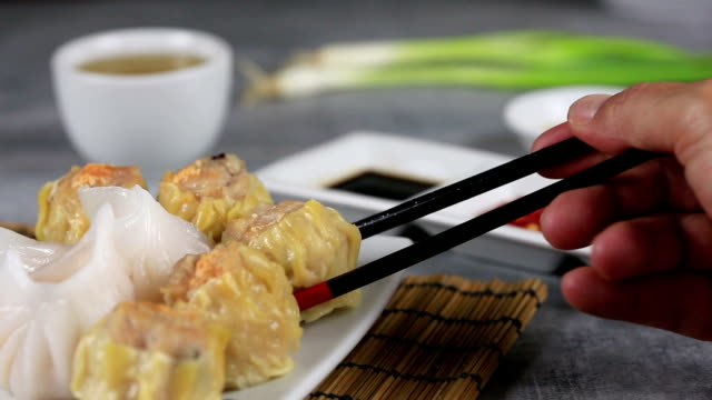eating dim sum - gourmet stock videos & royalty-free footage