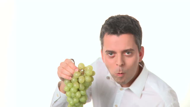 HD: Eating Grape
