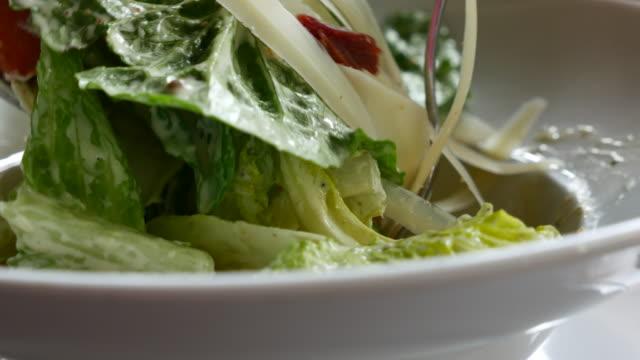 食事のサラダ - サラダ点の映像素材/bロール