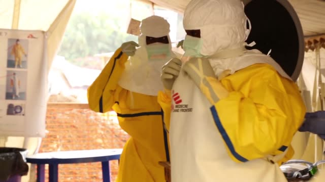 vídeos y material grabado en eventos de stock de ebola has likely killed five people in guinea after reemerging in the countrys south health authorities say confirming two more deaths registered in... - ébola