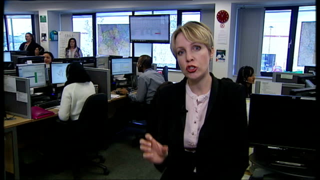 stockvideo's en b-roll-footage met how ready is the uk to cope england london int reporter to camera at nhs 111 call centre sequence 11 call centre employee taking mock call from man... - mogelijk