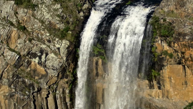 ebor falls, nsw, australia - national park stock videos & royalty-free footage
