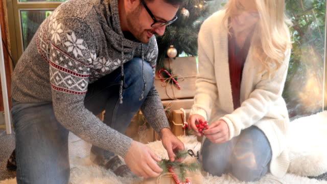 vidéos et rushes de eco friendly christmas - kraft