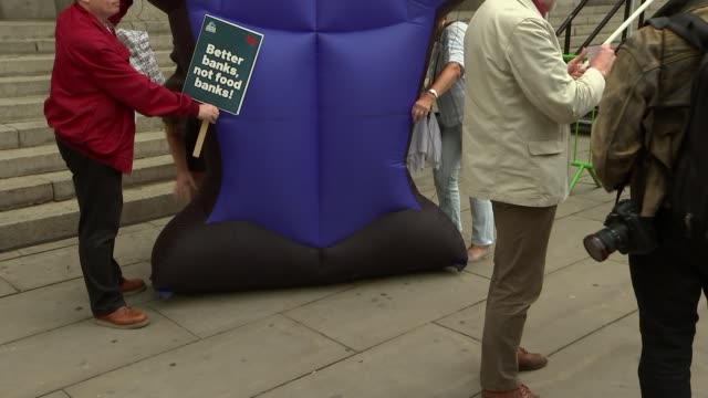 economists warn of new financial crisis on anniversary of 2008 crash uk london bank of england change finance demonstration protesters with placards... - krise stock-videos und b-roll-filmmaterial
