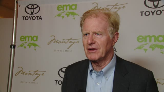 vidéos et rushes de ed begley jr. on how did you get involved with ema, on why is it important for you to align yourself with ema at the 28th annual environmental media... - environmental media awards