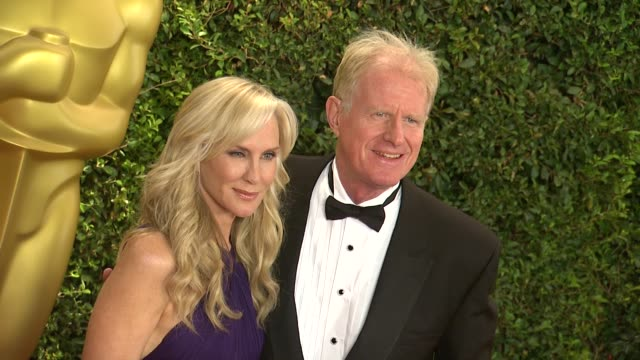 ed begley jr rachelle carson at academy of motion picture arts and sciences' governors awards in hollywood ca on - 映画芸術科学協会点の映像素材/bロール