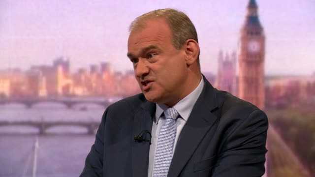 stockvideo's en b-roll-footage met ed davey talking about his plan for a crossparty 'government of national unity' - britse labor partij