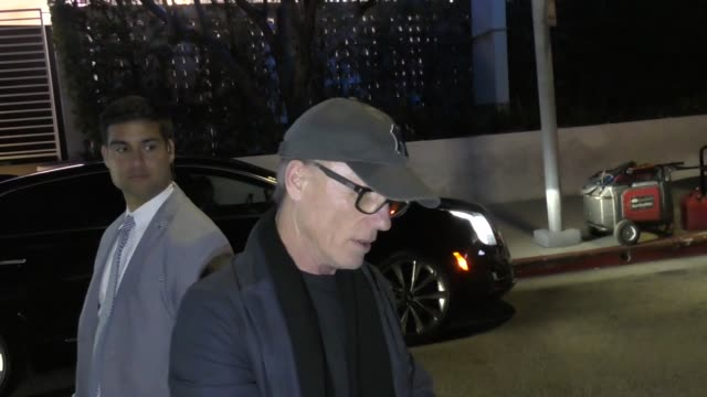 ed harris signs for fans at the fyc event for hbo's westworld season 2 at arclight cinerama dome in hollywood in celebrity sightings in los angeles - cinerama dome hollywood stock videos & royalty-free footage