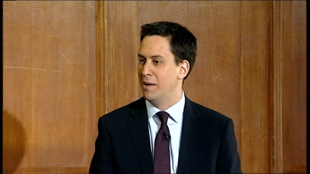 stockvideo's en b-roll-footage met ed miliband and ed balls press conference; question & answer session miliband press conference sot - on libya - i supported idea of no fly zone, need... - 40 seconds or greater