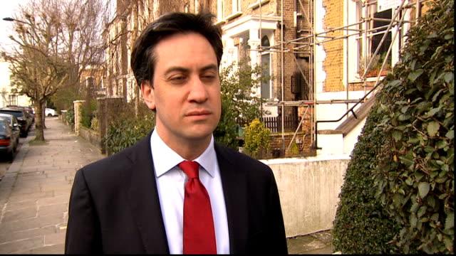 ed miliband doorstep on david miliband stepping down as mp england london ed miliband mp sot / miliband along to car - ed miliband stock-videos und b-roll-filmmaterial