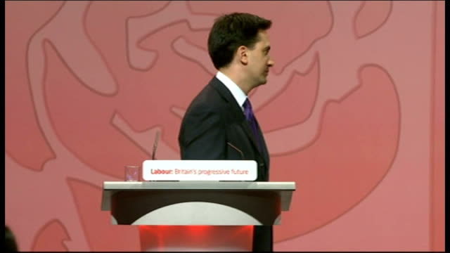 ed miliband elected new leader of labour party england manchester throughout *** ed miliband mp embracing his brother david miliband mp then... - エド ミリバンド点の映像素材/bロール