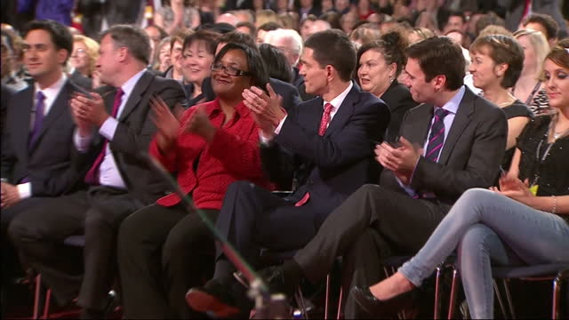 ed miliband has become the new leader of the labour party he beat his brother david by the wafer thin margin of 5065% to 4935% after second third... - ed miliband stock-videos und b-roll-filmmaterial