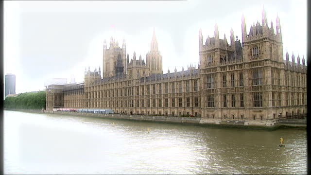 ed miliband proposes 'public' pmqs; file: date unknown: england: london: house of commons: ext treated film wide shot house of commons building - domande al primo ministro video stock e b–roll