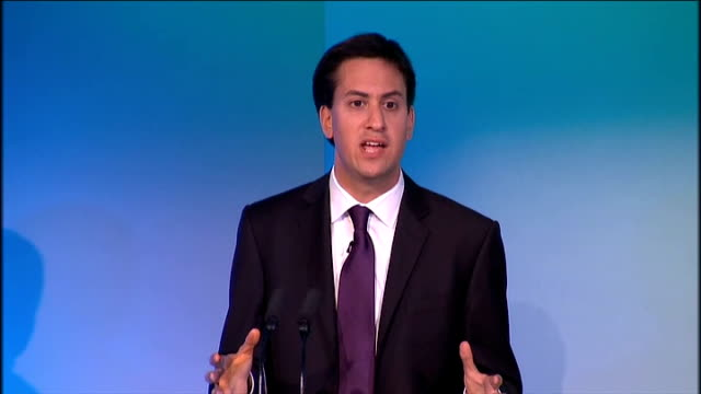 ed miliband speech at tuc conference; ed miliband speech continued sot it is fairer and it makes economic sense. first, prioritise tax cuts for the... - doing a favour stock videos & royalty-free footage