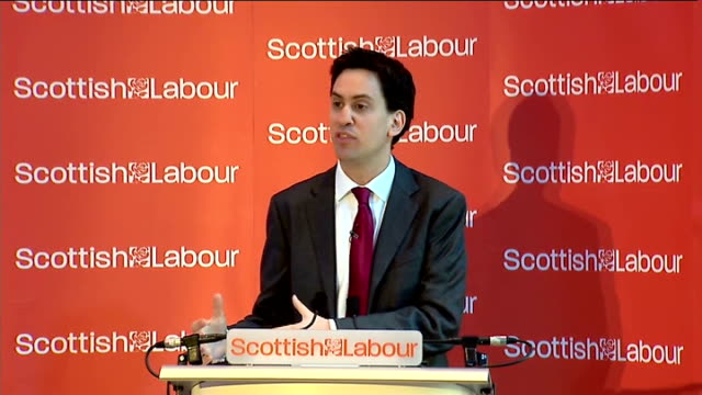 vidéos et rushes de ed miliband speech on scottish independence; miliband speech sot - we must reform our financial services; its rules, its culture, its institutions.... - scottish culture
