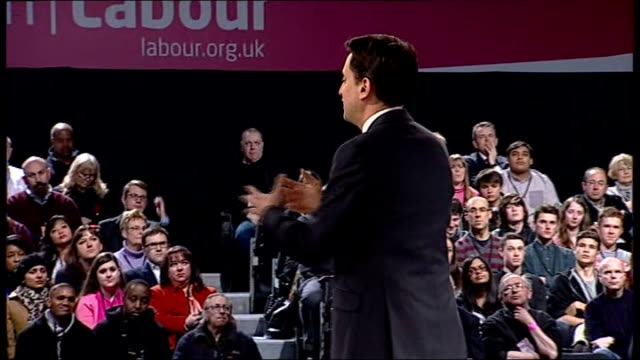 """ed miliband speech to """"people's policy forum"""" event; ed miliband applauded by audience as onto stage ed miliband speech sot - i am delighted to be... - politics and government stock videos & royalty-free footage"""