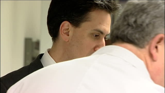 stockvideo's en b-roll-footage met ed miliband visits electronics firm tioga england derbyshire derby int various general views of ed miliband mp having tour of tioga factory /... - derbyshire